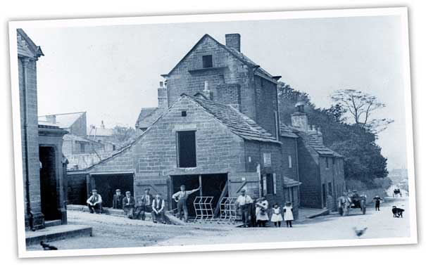 The blacksmith's shop at the bottom of Ardsley House drive. The smithy was originally a carpenter's shop with a wood yard at the back